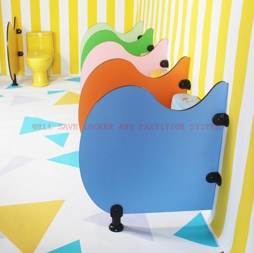 Kids TOILET CUBICLE WITH OUT HEADRAIL